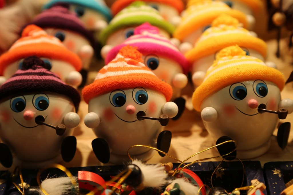 worlds-cutest-christmas-ornaments-at-the-salzburg-austria-christmas-market