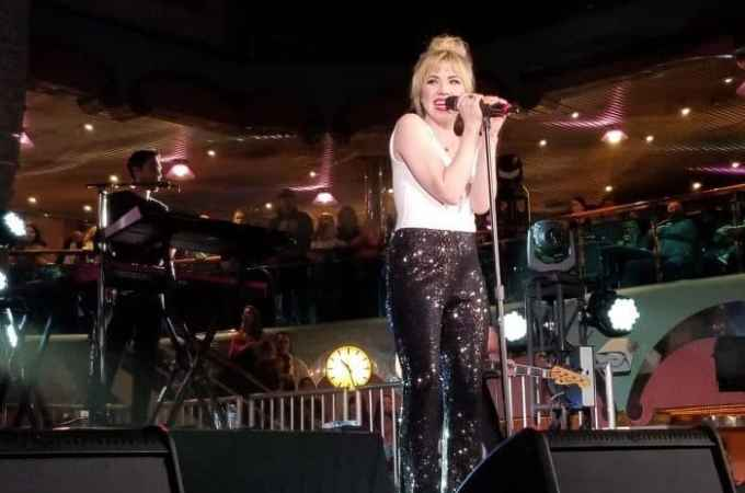 Carly Rae Jepsen Rocks the Carnival Splendor Lido Deck