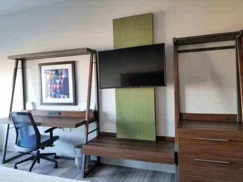 Holiday Inn Express Prosser Work Station