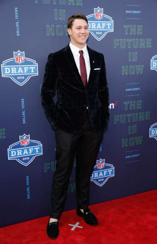 The 10 NFL draft red carpet looks that caught our eyes ...