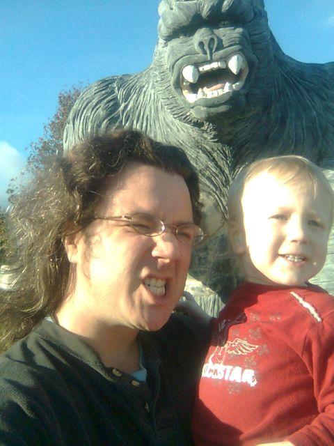 sallys-marek-andy-gorilla1