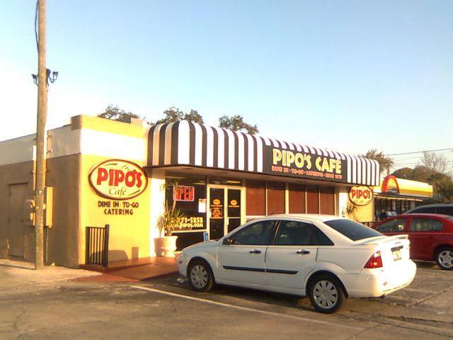 pipos-outside