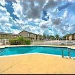Marcus & Millichap Arranges the Sale of a 260-Unit Multifamily Building for $18 Million