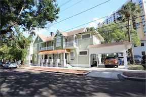 Marcus & Millichap Arranges the Sale of a 6-Unit Apartment