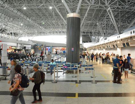 Tarifa aérea média doméstica sobe 1% em 2018 e atinge R$ 374,12, diz Anac –  Tá na Área