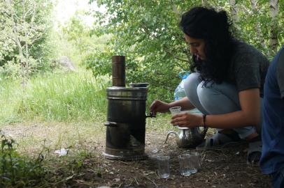 La machine à thé mobile qui chauffe au bois :)