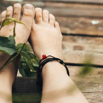 Fötter kan behöva medicinsk fotvård ibland.