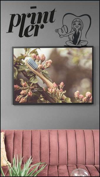 Fotokonst, print tanborste i natur av Johanna Ene 2021 annons för Printler.