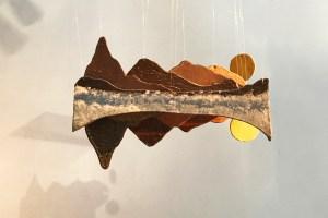 Paisatge, de Carla Beitia a l'exposició a l'escola llotja sant andreu de ceràmica, natura, aire amb peces dels estudiants de 1r del cfgs de ceràmica artística