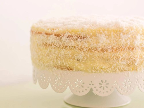 Piña Colada Cake - recipe - frosting - presentation without decoration