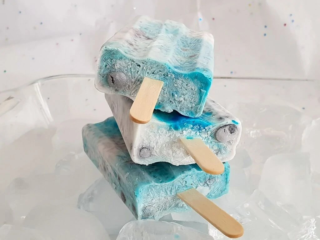 Chia Seeds Blueberry Popsicles - easy recipe- served popsicles