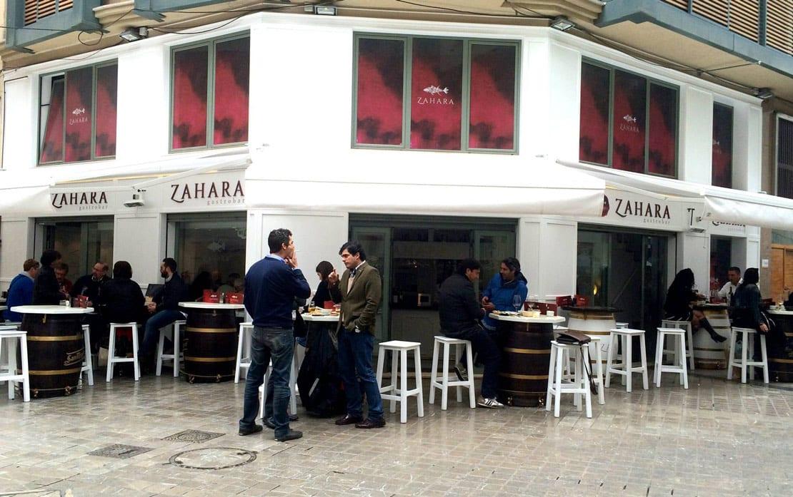 Zahara, gastrobar, rotulacion exterior para bares