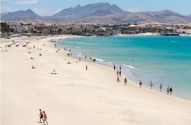 Fuerteventura tanie wakacje na Wyspach Kanaryjskich