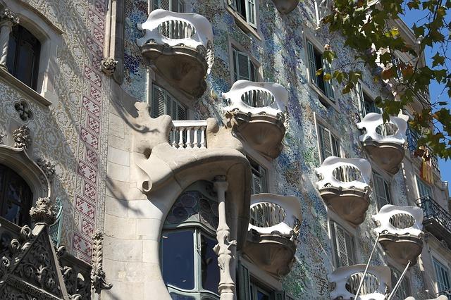 Casa Batllo w Barcelonie Antoni Gaudi budynek