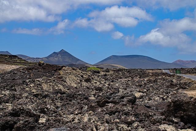 park narodowy timanfaya wulkany na lanzarote kurczak grillowany na wulkanie