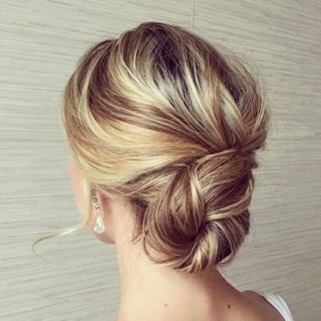 2018 wedding hair trends relaxed updos