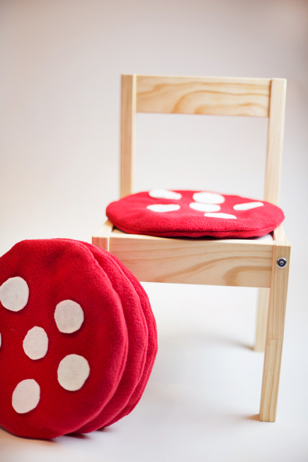kids-toadstool-cushion