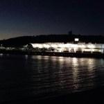 Een late ferry terug naar het vaste land
