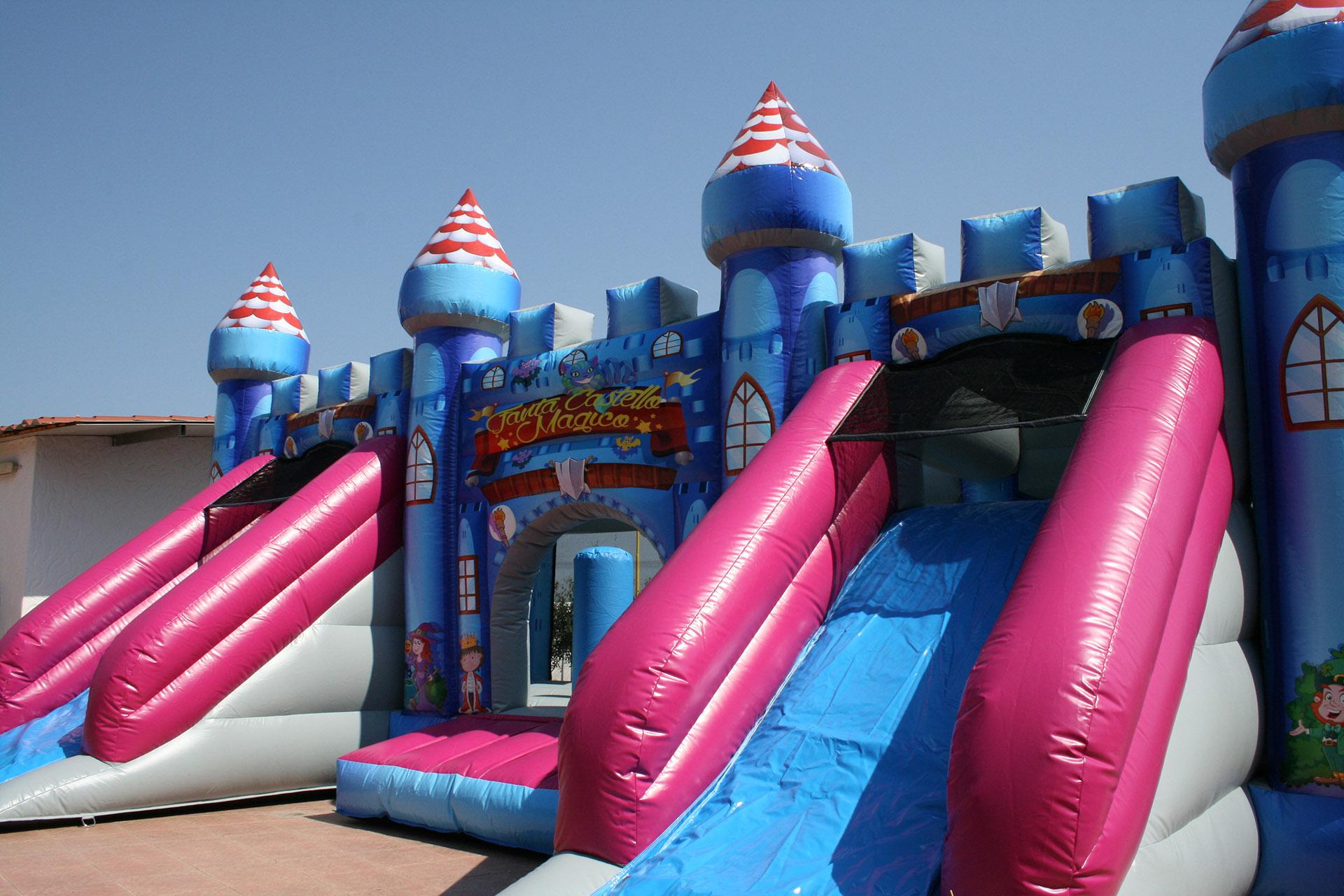 Parco Giochi Gonfiabile a Carbonia per compleanni e feste per bambini - Ristorante Tanit - Ristorante a Carbonia dal 1981 - 4