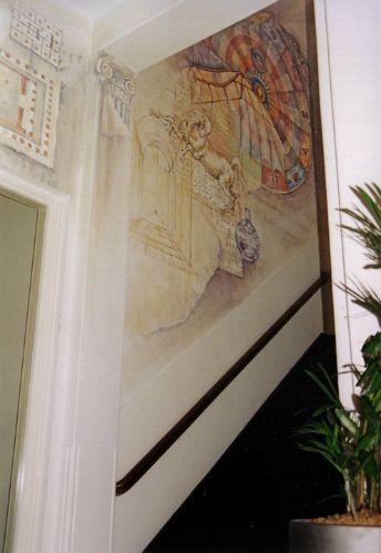 Muurschilderingen in trappenhuis opleidingsinstituut in Amsterdam i.s.m. Marinde Molendijk (Ultramarinde)