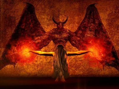 Satana esiste e si insinua anche attraverso internet e l'astrologia