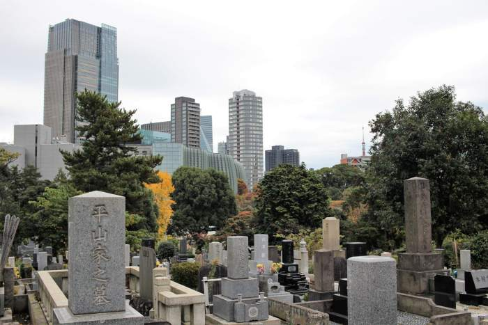 Aoyama, un cimetière au milieu des buildings de Tokyo