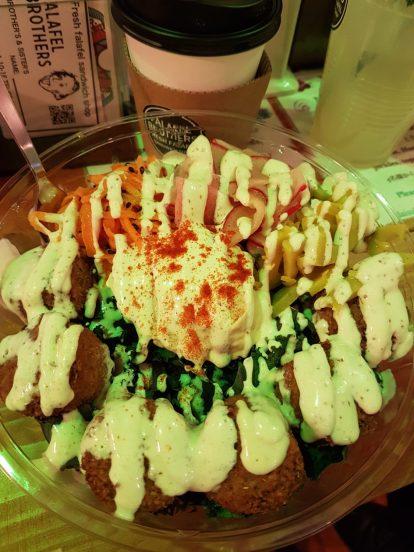 salade et falafel