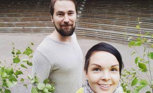 Oho, Maria Tyyster ja Marko Lämsä huimalla keikalla: Pommiryhmä ja suojelupoliisi paikalla