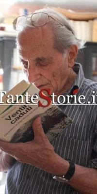 """Giacomo Scotti nella sua abitazione a Fiume-Rijeka con """"Ventimila Caduti"""""""