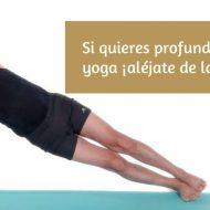 Deberías alejarte de los profes de yoga