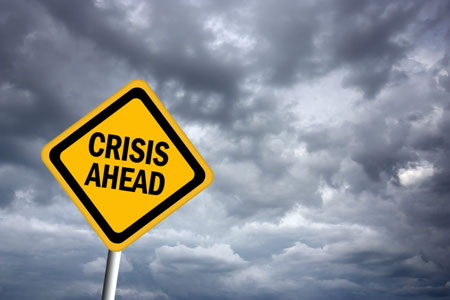 4 critical steps that every leader should take in order to successfully resolve a crisis within their organization.