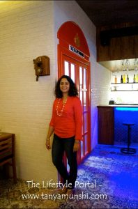 My friend Manisha at MeSoHappi