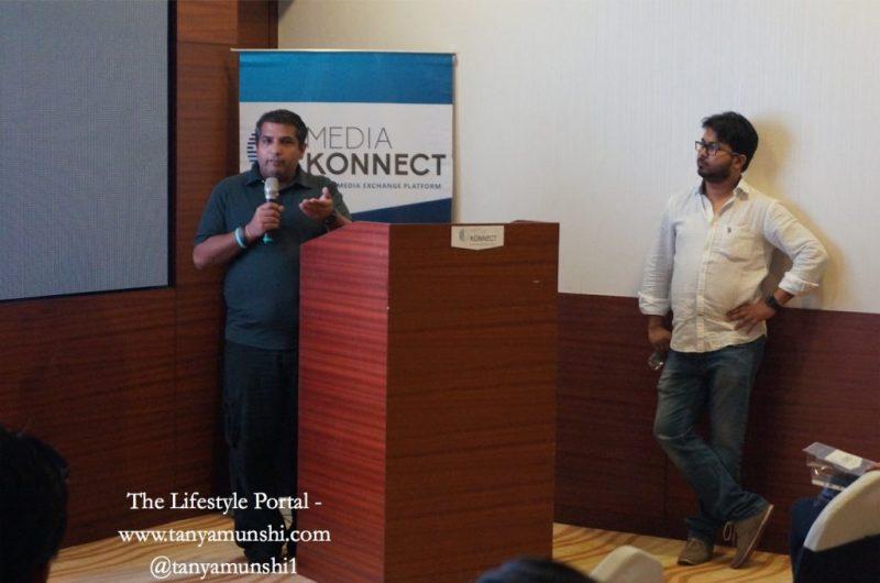 Mr. Ranjit Thakur, founder of Media Konnect addressing the bloggers