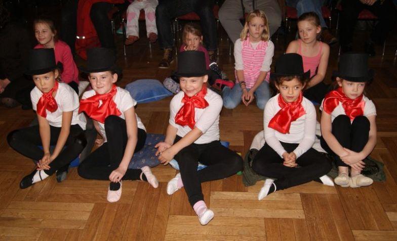 11 Studiogala Kinder im Saal