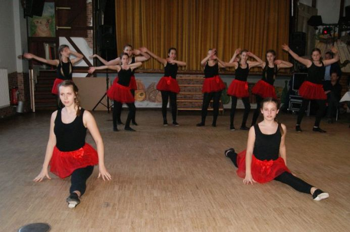 PowergirlsTanzgruppe01