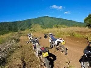 piste de Kitumbeine randonnée à moto en Tanzanie
