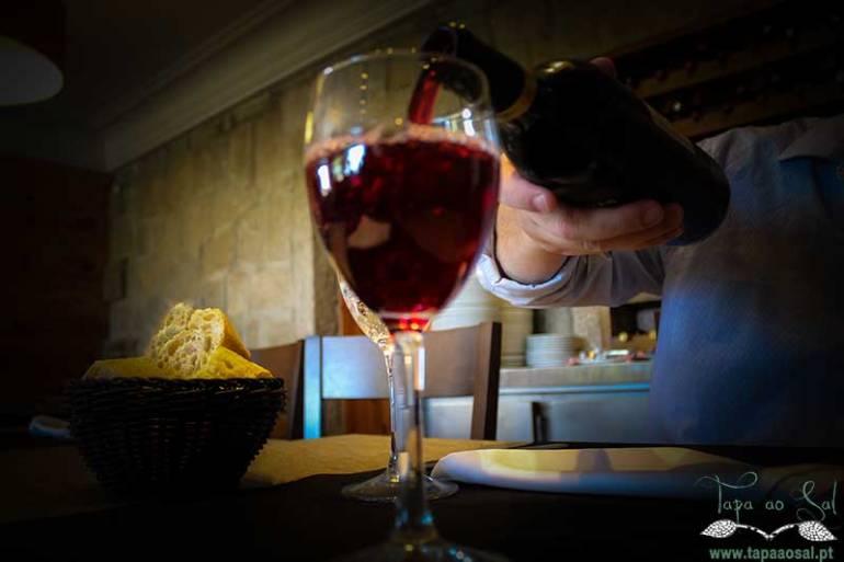 conceito de vinho a copo