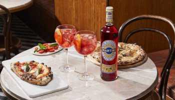 Cómo disfrutar la hora del aperitivo sin alcohol con Martini