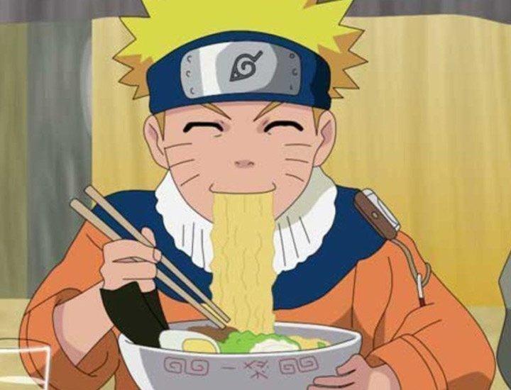 Naruto comiendo ramen