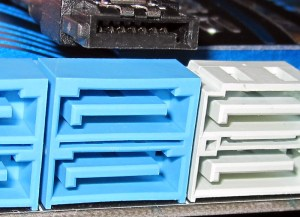 7-pin-SATA-Connector for the SAS Connector Identification Guide