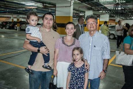 Miguel, Euclides Gomes, Patricia Macedo, Julia Gomes e Fernando Macedo (1)