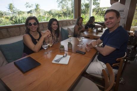 Valeria, Carolina e Gustavo Coelho