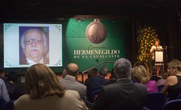 Entrega da Comenda Hermenegildo de Sá Cavalcante-12