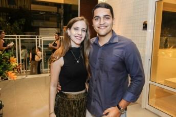 Mariana Castro e Gabriel Queiroz