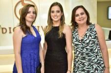 Aliusha Vasconcelos, Tábata Carneiro e Regina Vasconcelos