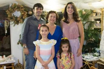 Eduardo Calls e Julia Philomeno, Beatriz, Celena e Helena Carvalho (4)