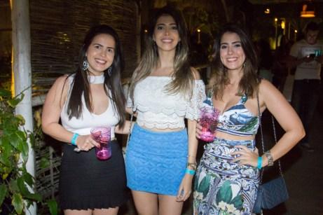 Lilian Escóssio, Jéssica Nascimento e Mayara Ávila (2)