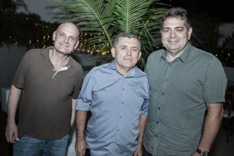 Oliver Gasparini, Luis Ximenes e Valderir Uchoa
