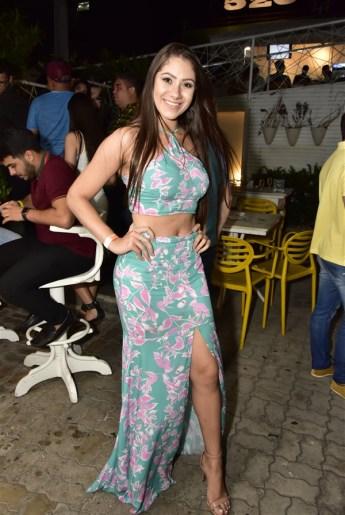Isnaiane Gomes