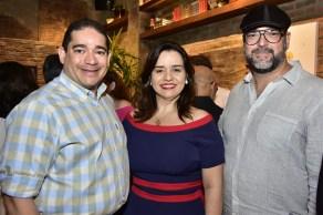 Alexandre Pitta, Lia Freire e Newton Whitehurst